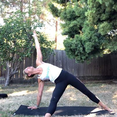 yoga_flow2chest_thumbnail_edited.jpg