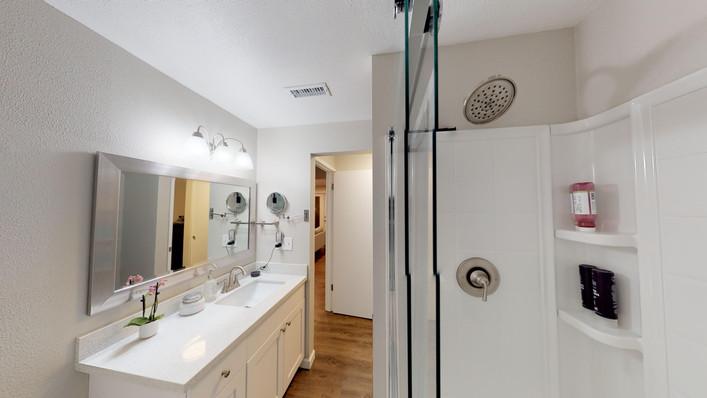 m bath shower.jpg