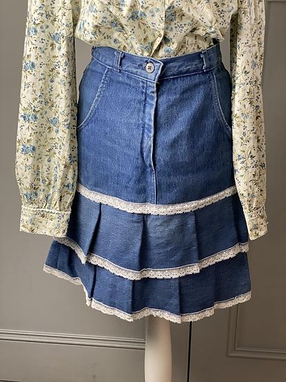 Vintage denim mini skirt with lace detailing. UK6/8/10