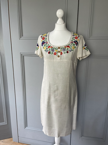 Vintage embrodiered Austrian style dress UK10/12