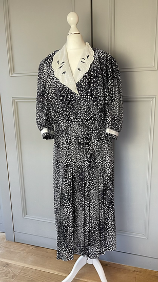 80s black and white dress with collar. Uk 12/14