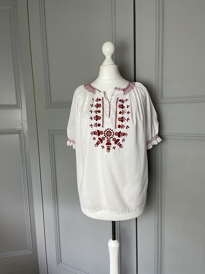 Vintage white/red embroidery top UK10-12