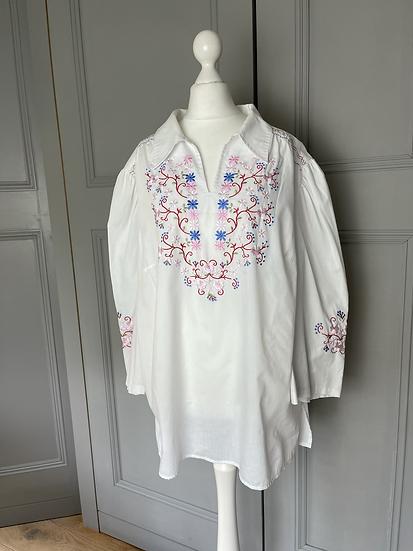 Vintage white embroidered shirt UK14-16