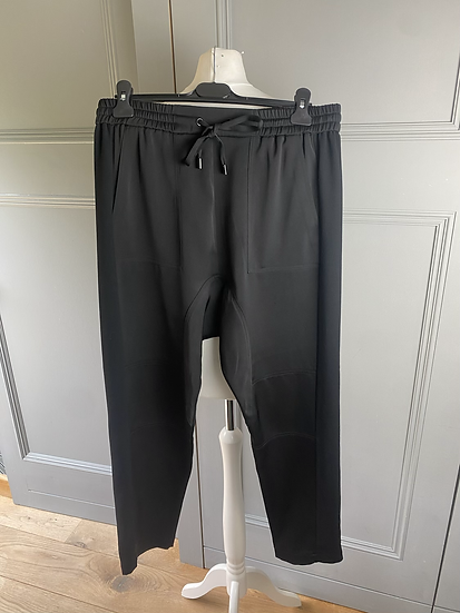 ME & EM relaxed style black trousers. Uk14/16. Rrp£185