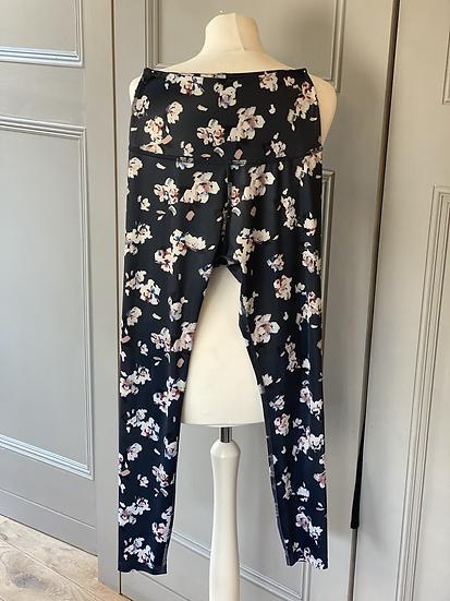 Beyond Yoga floral leggings. Medium rrp£150/200