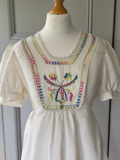Vintage 70s embroidered hungarian style cheesecloth top UK 10-14