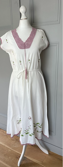 Vintage white embroidered summer dress UK8-12
