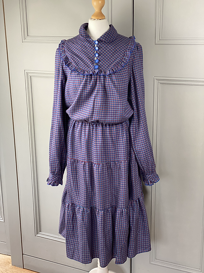 Vintage brushed cotton blue/red checked prairie style midi dress. UK10/12