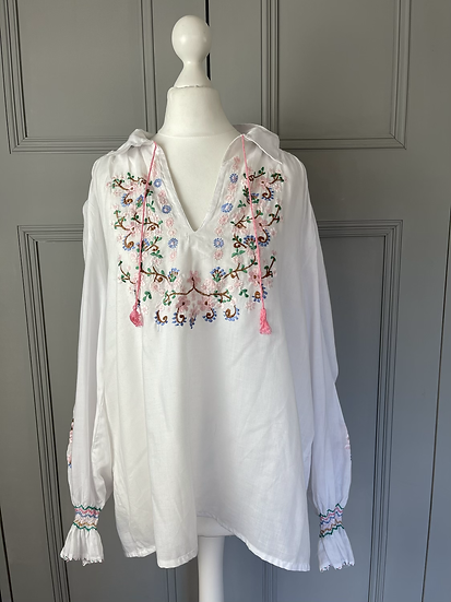 Vintage White embroidered shirt UK 12-16