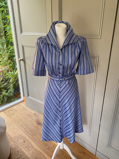 REDUCED>>>>>Vintage 70s silky tea style dress UK 12-14