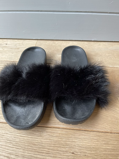 Ugg black fur sliders Uk 3.5 NEW