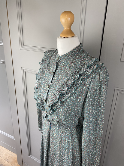 Vintage chiffon green dress with metallic thread. UK10/12