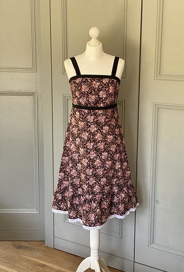 REDUCED>>>>>>Vintage pretty floral black/pink midi dress (UK8-12)