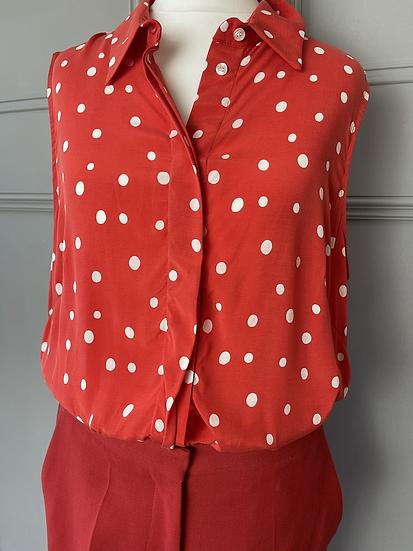 BNWT Hobbs red/white polka dor sleveeless blouse. UK 10