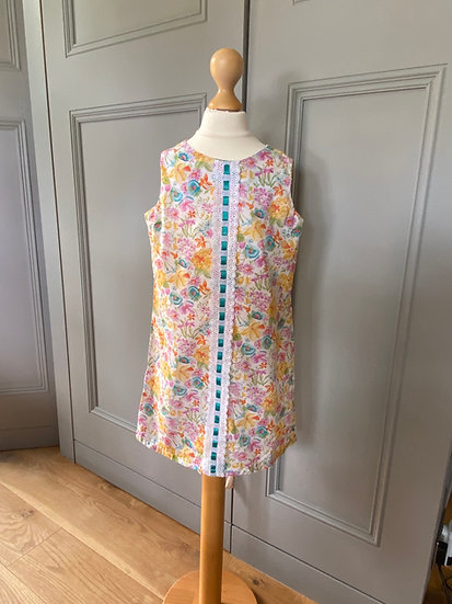 Girls vintage cotton floral sun dress 5/6/7 years