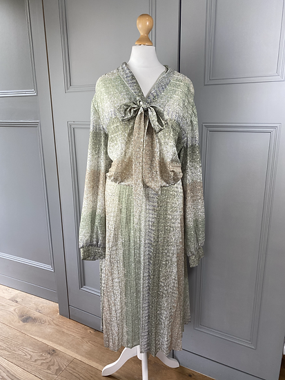 Vintage iridescent mint/cream/metallic dress with bow. UK14/16