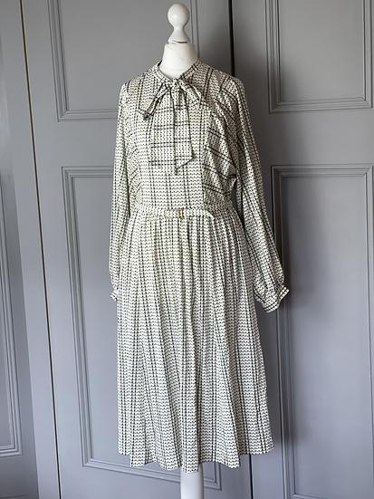 Vintage cream dress UK 10-12