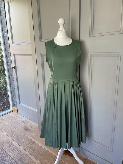 Max Mara khaki green sun dress with pockets UK 8. Rrp£515