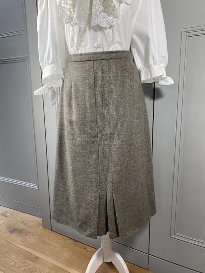 Vintage wool Equorian tweed skirt. UK10/12