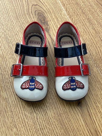 Girls Gucci bee patent shoes (size 22)