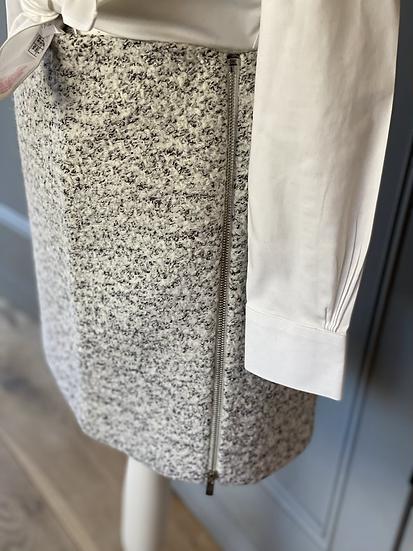 Mint Velvet grey thick wool mix mini skirt. UK16 rrp£69