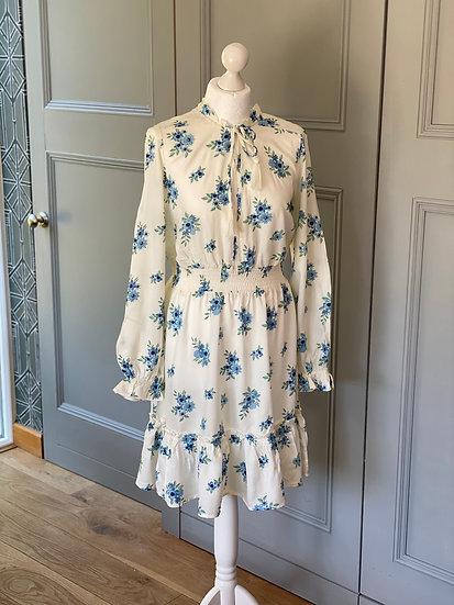 REDUCED>>>>>Vintage style/prairie dress, brand new size M