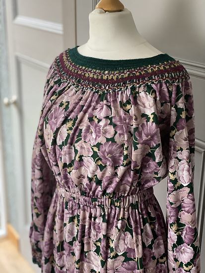 Vintage 70s jersey dress with crochet detail.