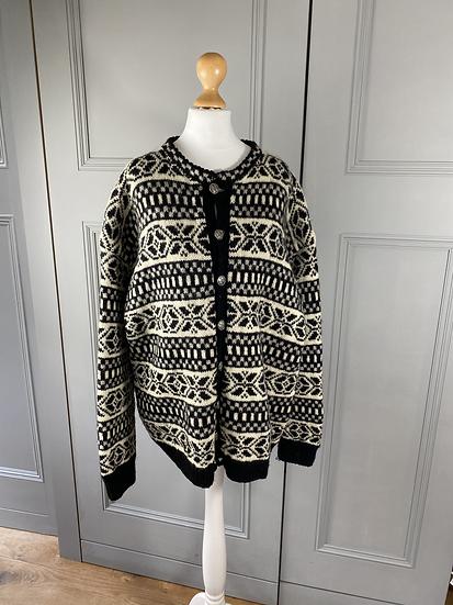 Vintage Scandinavian chunky black/white cardigan. L/XL