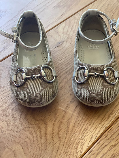 Girls Gucci Monogrammed shoes (x)
