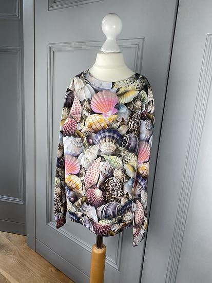 Girls MOLO seashell print sweatshirt. 8yrs