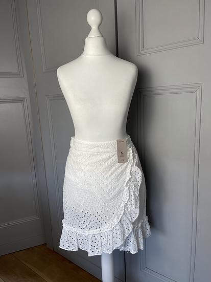 BNWT TU white skirt Size 8/10 rrp£18