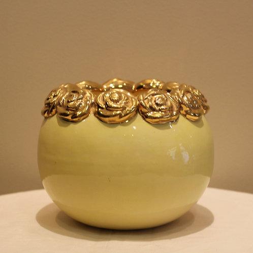 Roses vessel medium