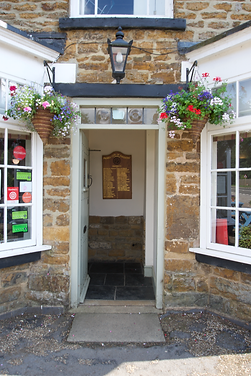 Entrance Charwelton Fox and Hounds