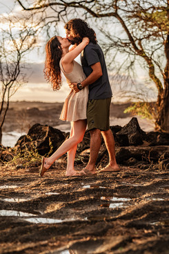 couple photography at golden hour