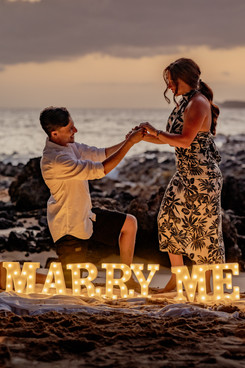 suprise proposal on Maui