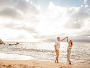 Guide to flawless sunset beach portraits in Maui, Hawaii