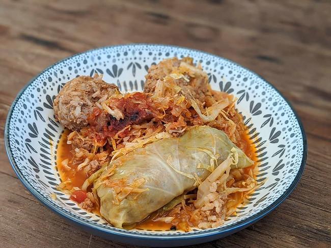 Cabbage + Beef Stew (Töltött Káposzta)