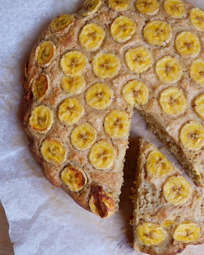 Banana + Tahini Cake
