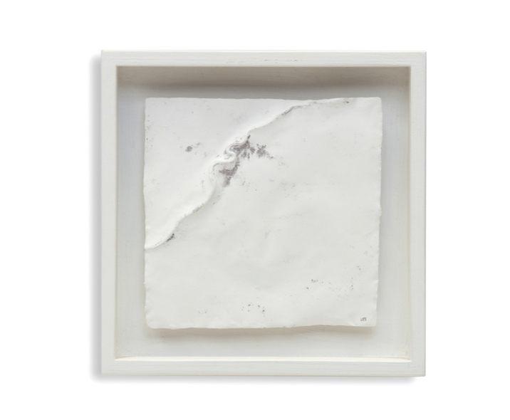 Abguss einer ziselierten,  geglühten Kupfermatrize, Gips, Holz, 16 x 16 cm