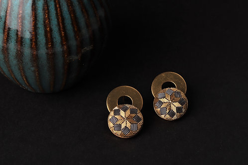 The Gold Round earrings