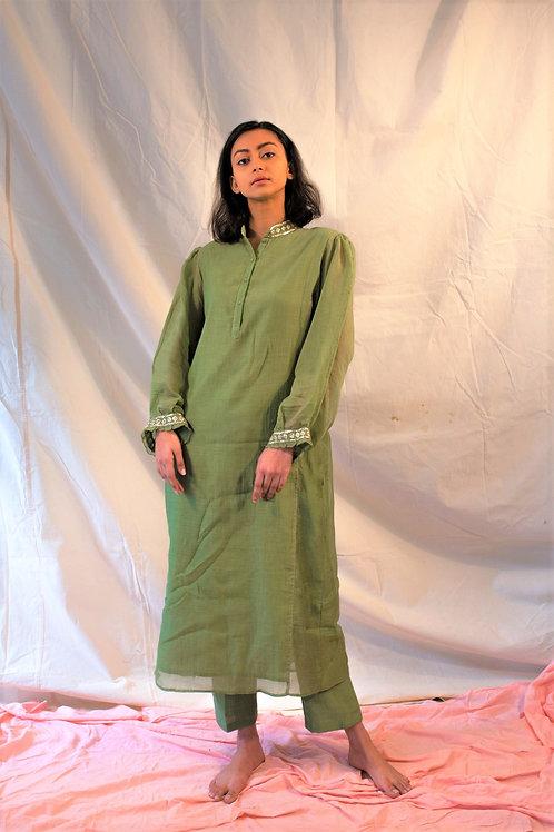 Green kurta with pants