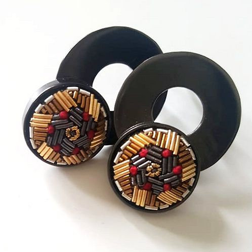 The Black Round Earrings