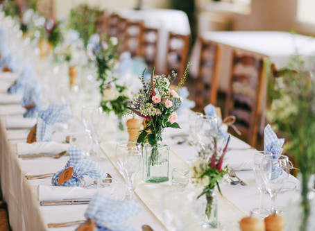On Trend in 2020 - Long wooden banquet tables