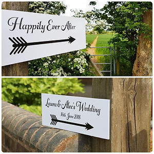 Direction signs for your wedding or special event. Personalised direction arrows to guide your guests to the wedding venue.