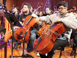 Professional Cellist Roman Soto Shares his Gift of Music