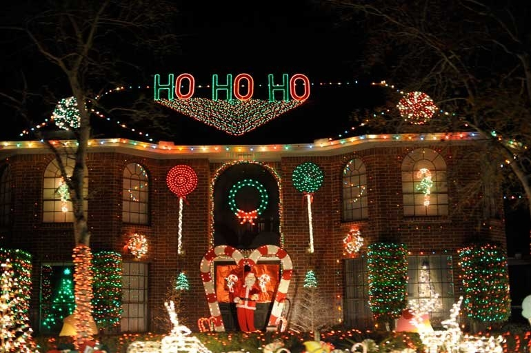 Christmas Light Hanging Service In Raleigh