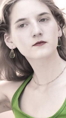 EARRINGS GREEN AMBER CAMELIA