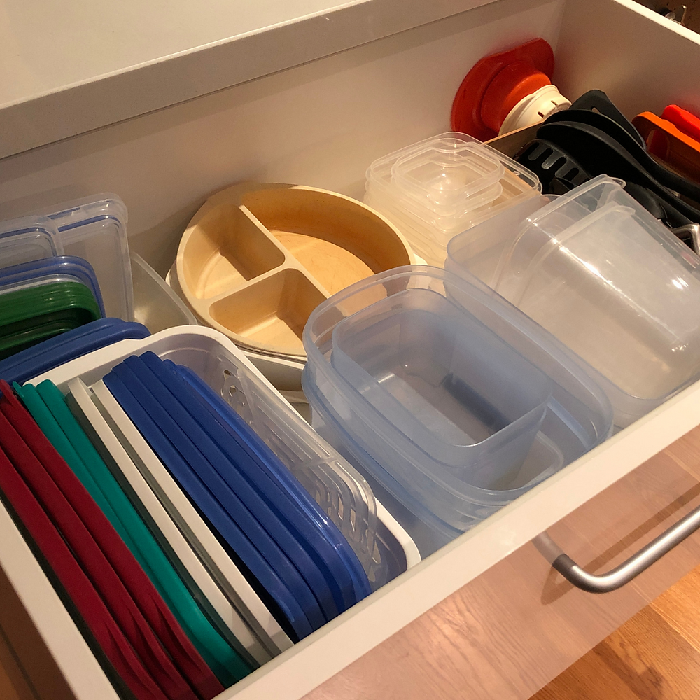 Organized plastic lids and containers