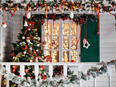 How to Organize your Porch to Create a Winter Socializing Place!