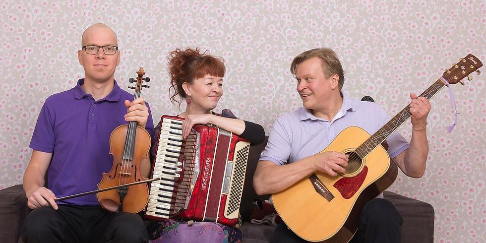 Loiskis Trio: Maailma ympäri